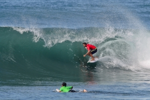 Adriano de Souza, Komune Bali Pro no. 1 seed put on the kind of show that only a World Champ can