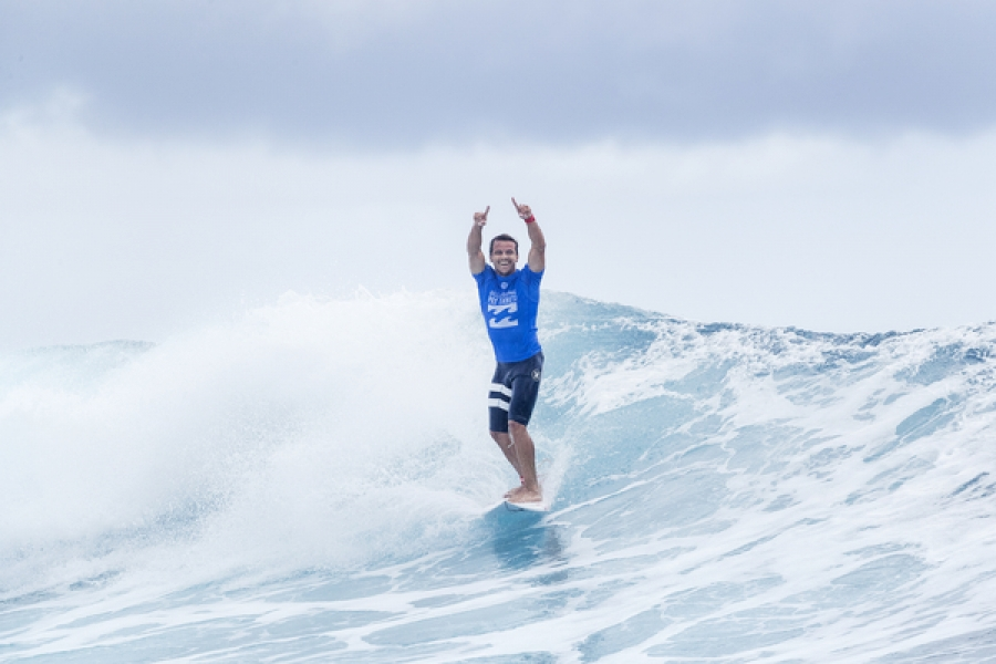 Julian Wilson Wins Billabong Pro Tahiti