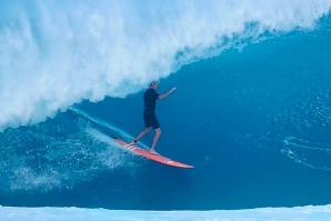 EPIC DAYS AT BANZAI PIPELINE