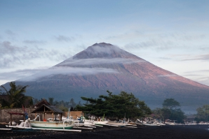 Tourists warned about possible eruption of Mount Agung in Bali