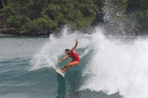 Taylor Jensen showing his abundance of power. WSL / Tim Hain