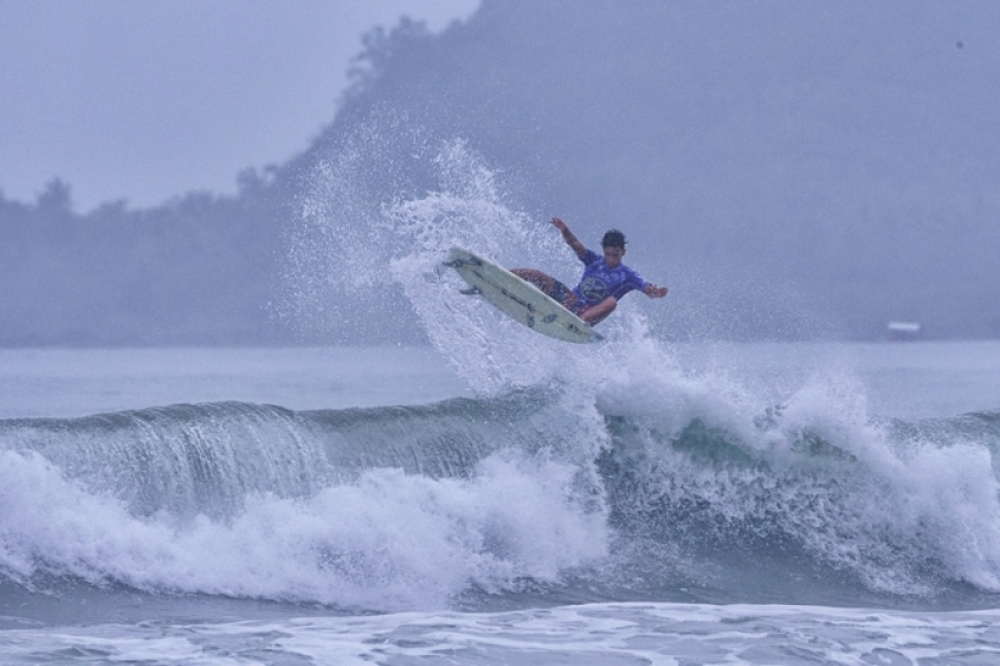 14 year old Gabriel Lerog from Siargao