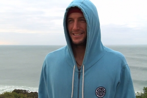 Owen Wright warming up for J-Bay… in cold water