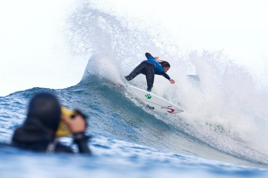SLATER, JORDY AND BOUREZ ARE OUT AT JEFFREYS BAY