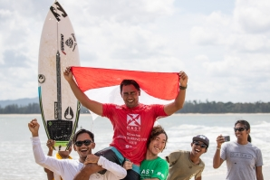 Raditya Rondi and Dhea Natasya Claim Wins at Cherating Beach in Malaysia