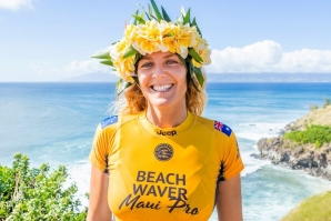 Stephanie Gilmore Claims Historic 7th Surfing World Title at Beachwaver Maui Pro