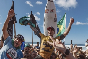 Gabriel Medina is the World Champion 2018