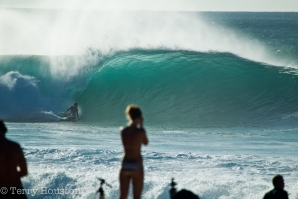 OPENING DAY OF THE BILLABONG PIPE MASTERS IN MEMORY OF ANDY IRONS IS ON