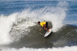 LOCAL SURF CONTEST AT PADMA-KUTA