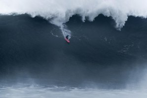 NICOLAU VON RUPP NOS 15 FINALISTAS DO XXL BIG WAVE AWARDS