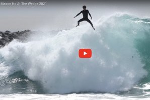 Os wipe outs de Mason Ho na onda The Wedge