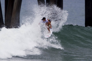 TYLER WRIGHT E FILIPE TOLEDO VENCEM VANS US OPEN OF SURFING