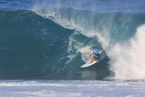 Kelly Slater de Slater designs em Backdoor.