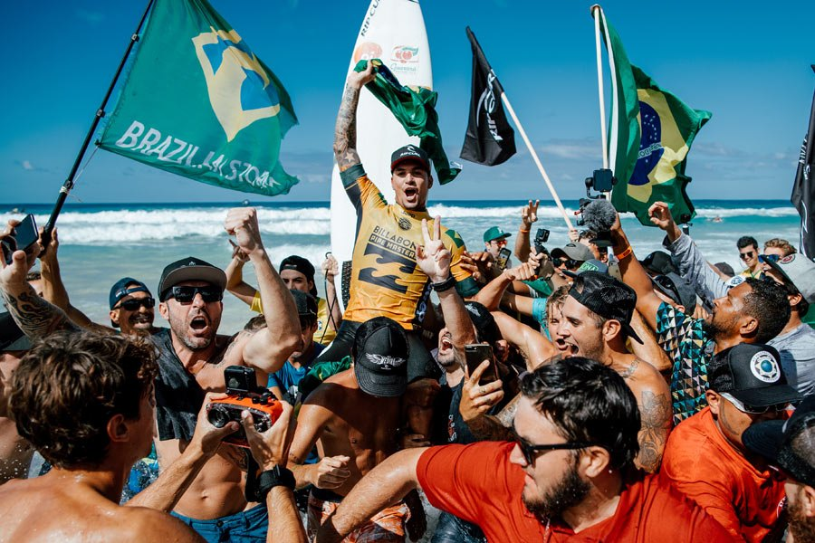 O North Shore vestiu as cores do Brasil para celebrar o segundo título de GM!